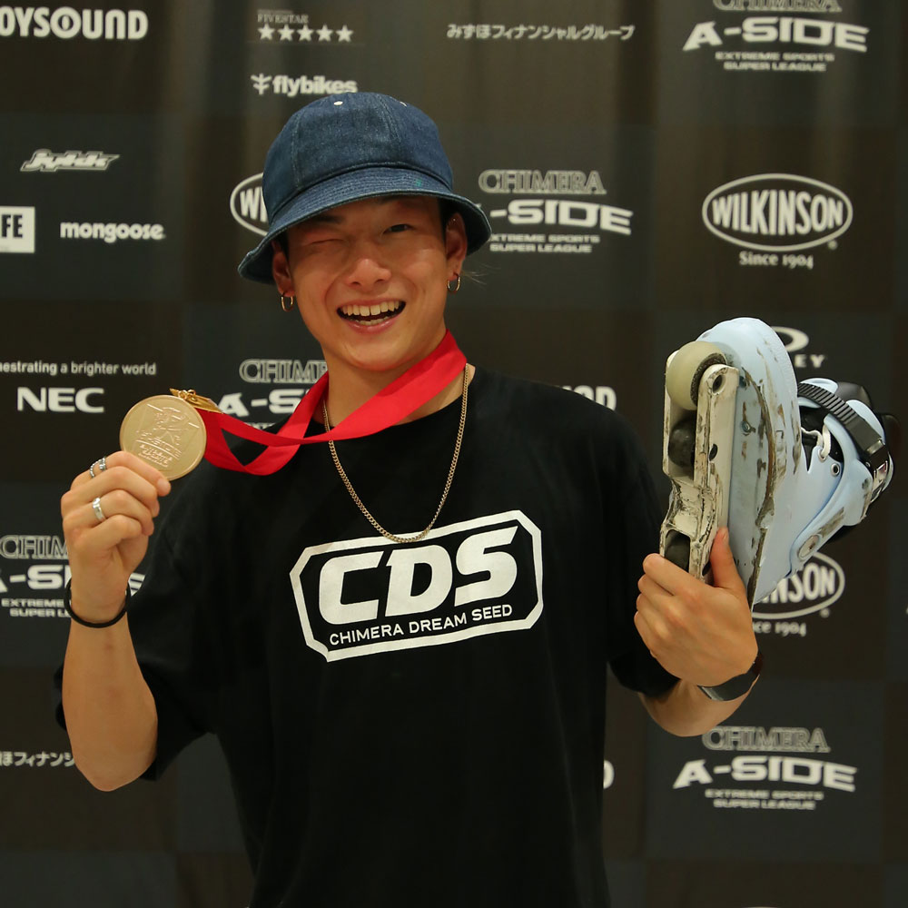CHIMERA-A-SIDEの1stLEAGUE-2019のReport Pickup選手 REN FUJIWARA 画像:Inline Skate インラインスケート
